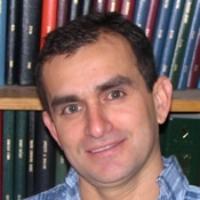 head shot of Prof. Luis Arroyo
