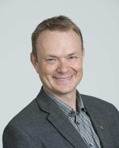 headshot of Prof. Evan Fraser