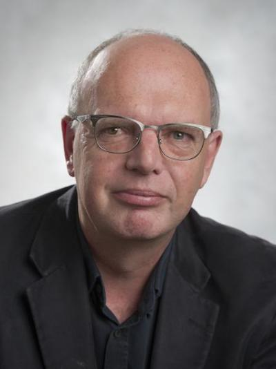 a photo of Prof. Keith Warriner