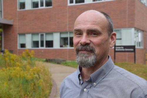 headshot of Prof. Robert Hanner