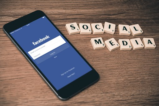 Study Finds Health Professionals Need to Be Cautious on Social Media