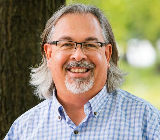 Dr.. Glen Pyle