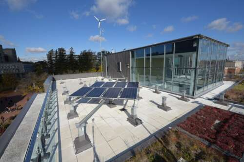 Sustainable Energy Lab on the rooftop of the Thornbrough Building