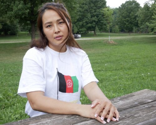 Afghan women with Afghanistan t-shirt
